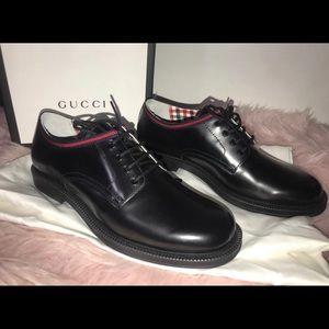 Authentic Gucci scar pelle oxfords size 35 shoes